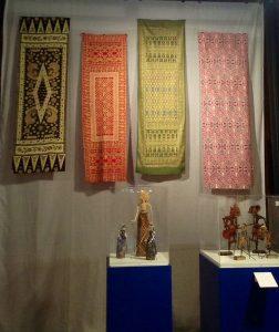 Batik-shawls-wayang-800